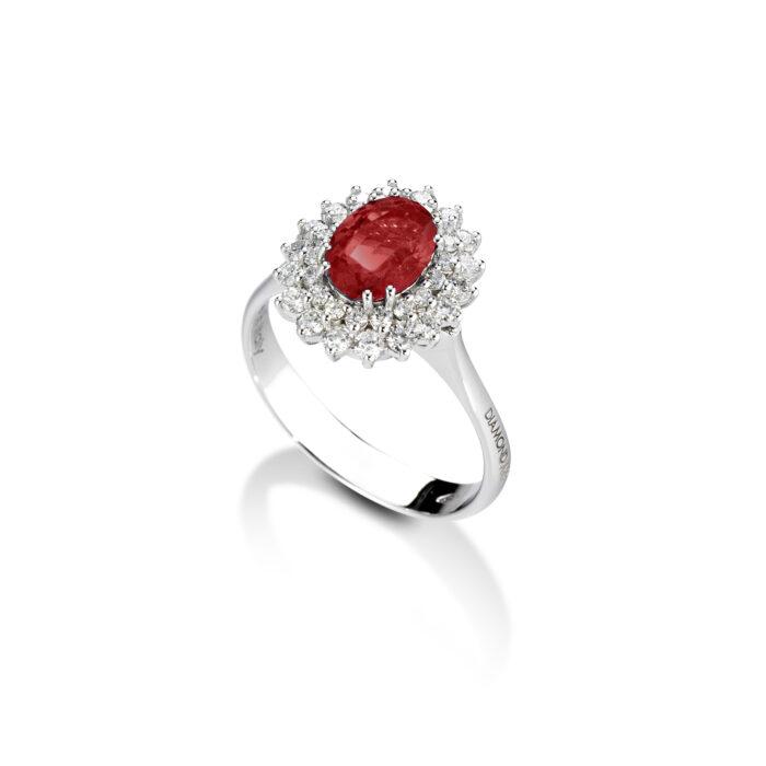 anello con rubino, in oro bianco con diamanti